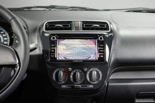 Mitsubishi Space Star Libelle Special interieur touchscreen